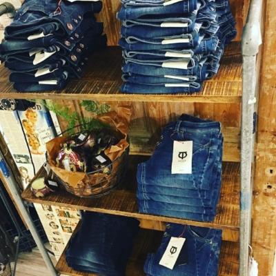 Alla snygga vår-jeans inne från #isay och #pulzjeans 😍😍😍