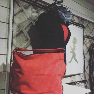 Väska i korall 💖#butikehlsasgarderob