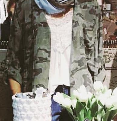 Favorit i grön armé mönster är inne i butik igen 💖#butikehlsasgarderob