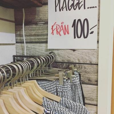 Sååååå mycket nytt i butiken 👍 det gör att vi rensar ut slattar och sista plagget på utvalda artiklar 😊#butikehlsasgarderob