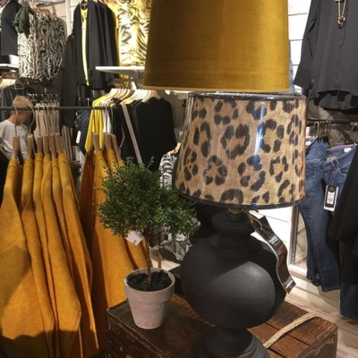 Nya lampor och lampskärmar ❤️#butikehlsasgarderob