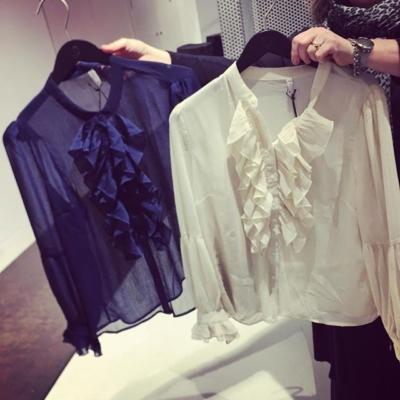 Köpt in såååå fina blusar från @pulzjeans idag. Kommer in nästa vecka 👍🏼❤️