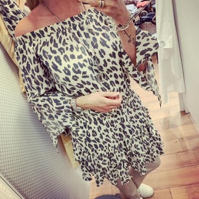 Så fin klänning från @stajl_se 🙌🏼 S/M el M/L. 699:-