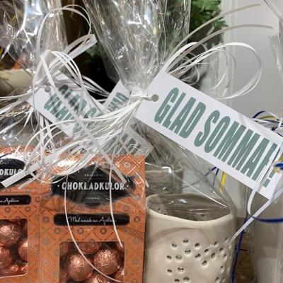Majas lykta och choklad som sommar present och till fröken 178kr